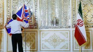 هشدار وزارت خارجه بریتانیا به دوتابعیتیها: به ایران نروید