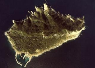 قوانین بازدید از جزیره اوکینوشیما در ژاپن به قدری سختگیرانه است که تصاویر زیادی از داخل این جزیره وجود ندارد