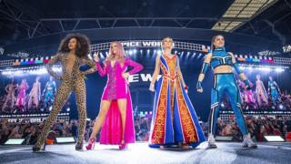 Spice Girls bongeye gusubirana, ku wa gatandatu bakoze igitaramo cy'imbaturamugabo kuri sitade ya Wembley