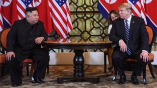 美國總統特朗普和朝鮮領導人金正恩舉行的二次峰會在越南首都河內中途談崩