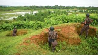 বাংলাদেশ মিয়ানমার সীমান্তে বিজিবি সদস্যদের পাহারা