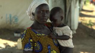 afrikalı mülteci bir kadın