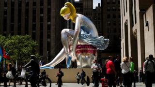 Сидящая балерина