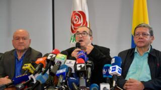 Timochenko se desmarca de Iván Márquez.