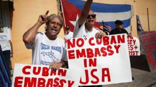 Một số người Mỹ gốc Cuba phản đối việc thắt chặt quan hệ Mỹ - Cuba