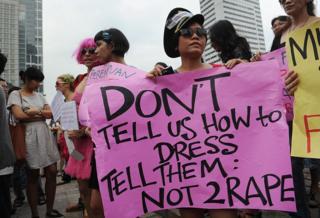Protesta contra violaciones en Indonesia