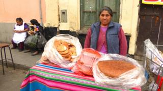 Sabina Huillca selling bread on the streets of Lima