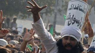 تظاهرات اسلامگرایان در کراچی