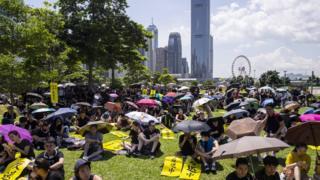 示威者集會「遍地開花」