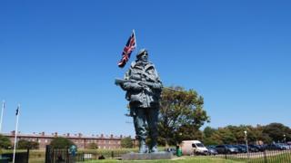 Yomper Statue