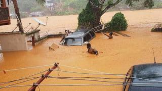Calles inundadas en Regent cerca a Freetown, el 14 de agosto de 2017.