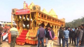 राम राज्य रथ यात्रेतील रथाची प्रतिकृती