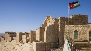 قلعه تاریخی شهر کرک در اردن یکی از جاذبههای اصلی گردشگری در این شهر است