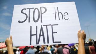 El ataque con ácido contra un hombre de origen peruano que se investiga como crimen de odio en Estados Unidos - BBC News Mundo