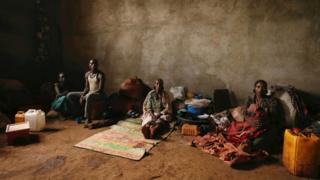 Etiyopya'daki etnik çatışmalar nedeniyle yerlerinden olmuş insanlar