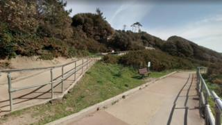 Highcliffe zig-zag path