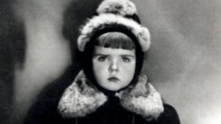 童年时期的瓦伊拉