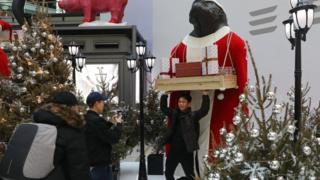 Decoração de Natal em um shopping em Pequim, dezembro de 2017
