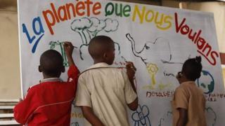 Des centaines d'enfants de Pointe-Noire ont pris part à la 1ère édition de la parade des petits écolos, dans le cadre de la Journée mondiale de l'Environnement.