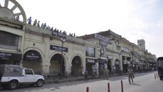 লখনৌ শহরের মূল বাণিজ্যিক এলাকা হজরতগঞ্জ, যেখানে প্রায় সব দোকানই 'শত্রু সম্পত্তি'