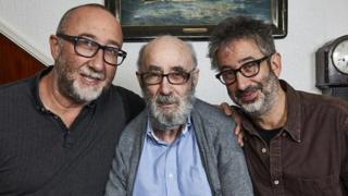 Ivor, David y Colin Baddiel