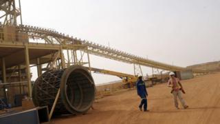 Au total, quatorze mines d'or sont en exploitation dans le pays, avec une production moyenne de 40 tonnes par an