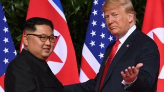 지난해 6월12일 싱가포르에서 첫 회담을 가진 트럼프 대통령과 김정은 위원장