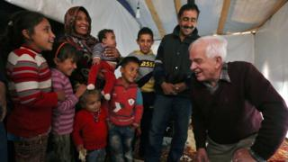 Mr McCallum meets Syrians in Jordan