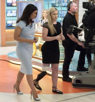 Vicky Balch walks through the Good Morning Britain studio with Susanna Reid