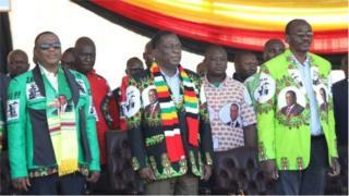 Shugaba Mnangagwa a lokacin gangamin yakin neman zabe a Zimbabwe