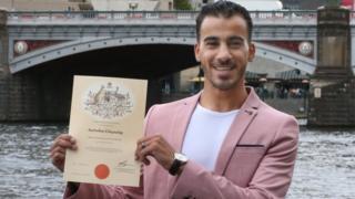 Hakeem al-Araibi holding his Australian citizenship certificate (Melbourne, 12 March)