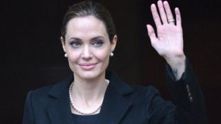 Angelina Jolie n'umukinyi w'isinema avugwa ko ahembwa amahera menshi cane muri Amerika