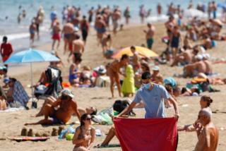 اسپانیا سالانه پذیرای حدود ۸۰ میلیون گردشگر خارجی است