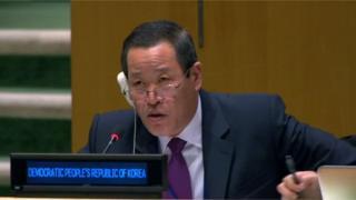 김성 유엔주재 북한대사가 '북한인권 결의안'을 반박하고 있다