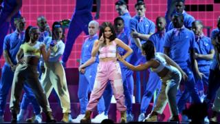 Mabel-performs-at the Brit-Awards.