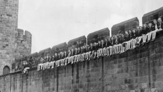 Evacuees at Alnwick Castle