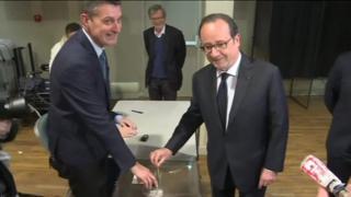 رای گیری در فرانسه به ساعات پایانی نزدیک میشود، یک روز تاریخی برای این کشور و ساعتهایی پر اضطراب برای اتحادیه اروپا.