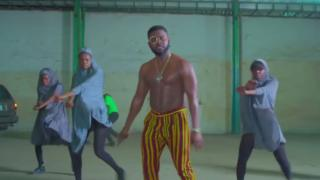 Falz inside di video
