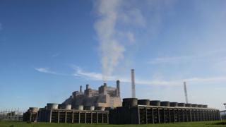 Трамп заявил, что примет решение по Парижскому соглашению по климату на следующей неделе. Договоренности имеют целью сокращение вредных выбросов в атмосферу