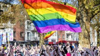Hollanda'da eşcinselleri desteklemek için 8 Nisan 2017'de düzenlenen eylemden bir kare