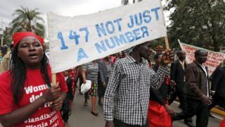 Abari mu rugendo rwo kwibuka abishwe na Al Shabaab i Garissa muri Kenya
