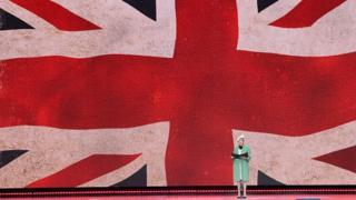کنارهگیری نخستوزیر بریتانیا از رهبری حزبش