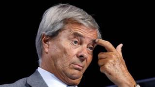 La garde à vue de l'homme d'affaires français Vincent Bolloré a été prolongée.