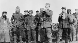 German and British soldiers in 1914