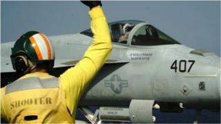 အရှေ့အလယ်ပိုင်းမှာ အမေရိကန် စစ်အင်အားပြသနေတာ ဘာကြောင့်လဲ