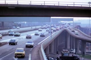 South across the Kingston Bridge from Anderston Footbridge (1974)