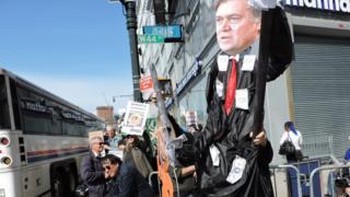 Протестующие встречают Трампа в Нью-Йорке