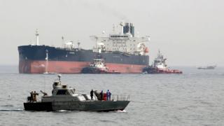 Иранский танкер у острова Харк в Персидском заливе, фото 2017 года