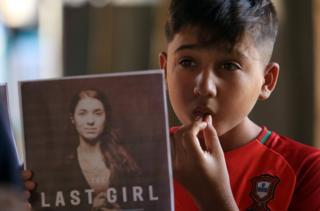 """来自伊拉克的穆拉德是雅兹迪人,她曾遭遇所谓的""""伊斯兰国""""武装分子折磨和强奸,后来成为雅兹迪人解放运动的代言人。"""