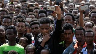 People gather for the rally of Ethiopia's new Prime Minister in Ambo, about 120km west of Addis Ababa, Ethiopia, on April 11, 2018.